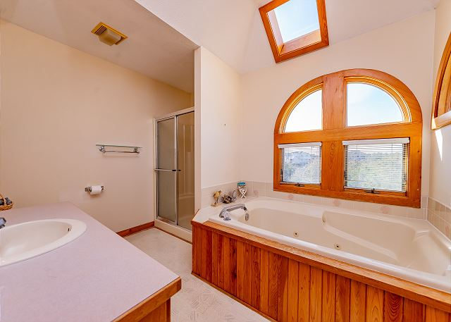 master-bath-nauti-dayz