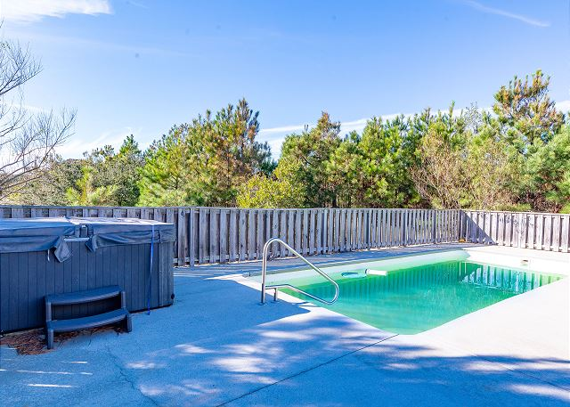 nauti-dayz-pool-hot-tub