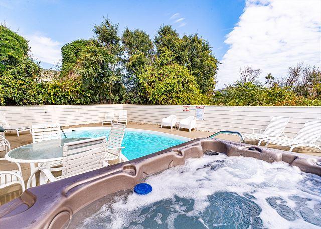 nauti-doonz-hot-tub